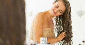 Применение кондиционера в уходе за волосами